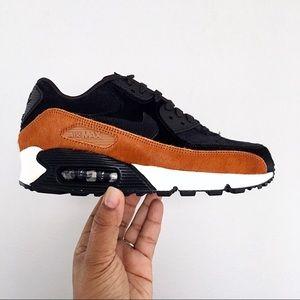 Women's Nike Air Max 90 LX Tar Black Cider Size 6